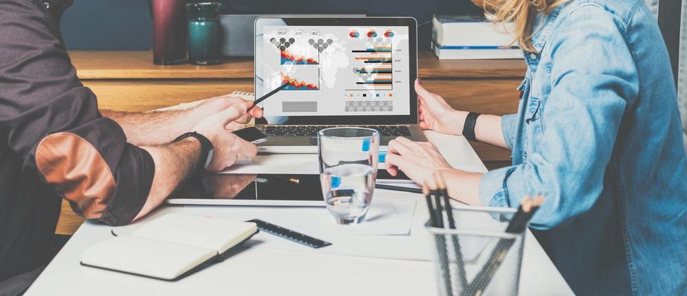 All-round marketing bureau vs specialist